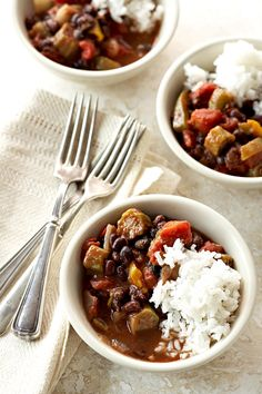 Spunky Cajun seasoning, velvety black beans, and colorful vegetables keep this Cajun-Seasoned Vegetarian Gumbo lively, loaded, and interesting. Healthy Slow Cooker, Slow Cooker Recipes, Crockpot Recipes, Cooking Recipes, Easy Recipes, Gumbo Recipes, Barbecue Recipes, Oven Recipes, Dinner Recipes