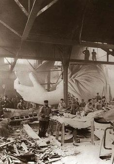 It took more than 15 years to take the Statue of Liberty from concept to reality. Construction is pictured here in 1884, less than two years before she was completed. Rare Photos, Photos Du, Vintage Photographs, Old Photos, Vintage Pictures, Old Pictures, Foto Picture, Vintage New York, History Photos