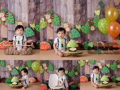 Cake smash inspiration ideas for boys. Monkey forest jungle theme. First birthday green, orange and brown. Amanda Dams Photography Richmond BC.