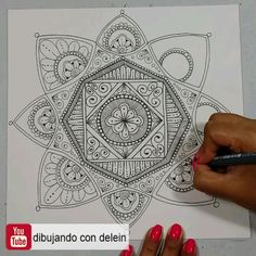 Zentangle Tutorial Save Como dibujar un mandala paso a paso Doodle Art Drawing, Zentangle Drawings, Mandala Drawing, Cool Art Drawings, Pencil Art Drawings, Doodles Zentangles, Mandala Doodle, Mandala Art Lesson, Easy Mandala