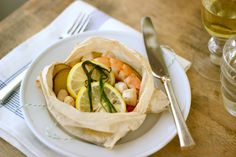 Shrimp Scallop Parchment Packets with Lemon, Chive & Potatoes by jennysteffens: Light and fresh! Here is the recipe http://tinyurl.com/7oe53fu  #Shrimp #Scallops #jennysteffens