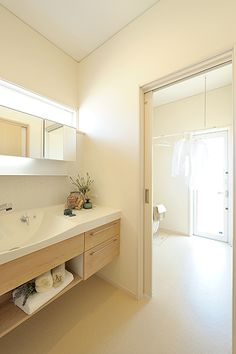 Natural Interior, Japanese House, House Layouts, Washroom, Boho Decor, Interior And Exterior, Toilet, Home Improvement, House Design