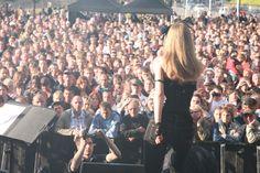 Ça se passe comme ça aux concerts d'Ann'So.M...  http://www.annsom.com