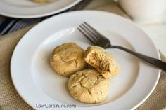 A low carb almond flour biscuits recipe that's also paleo friendly. These savory gluten free biscuits are great with any meal or eat them as a snack Almond Flour Biscuits, Gluten Free Biscuits, Diabetic Recipes, Low Carb Recipes, Snack Recipes, Scones, Granola, Oreo, Sandwiches