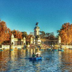¡Buenos días #Madrid! Esta bonita estampa de ayer por la tarde en el #estanque del #retiro. | Flickr: Intercambio de fotos