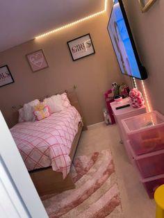 Dorm Room Designs, Room Design Bedroom, Room Ideas Bedroom, Beauty Room Decor, Decor Home Living Room, Bedroom Decor For Teen Girls, Aesthetic Bedroom, Luxurious Bedrooms, My New Room