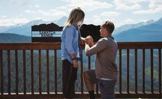 """Lấy vợ cưới chồng phải như cặp đôi này: Cầu hôn và làm đám cưới chỉ trong 4 giờ đồng hồ   16/9 năm nay sẽ là ngày Catie Bossard không thể nào quên. Bạn trai của Catie - Zach Baldwin - đã cầu hôn cô vào ngày thứ 6 khi cả hai đang du lịch ở Vail Colorado. Ít phút sau anh thổ lộ rằng đã lên kế hoạch cho hôn lễ của cả hai vào ngay ngày hôm đó với sự giúp đỡ của gia đình và bạn bè. Câu chuyện kết hôn nhanh như điện xẹt của cặp đôi này đã nhận được sự quan tâm của mọi người.  Catie nhớ lại: """"Sau…"""