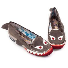 Navigate those stormy seas and come out top of the food chain with these dangerously gorgeous shark flats. Comes with fins, bejewelled eyes, jagged teeth detail and a mini glitter heel. Crazy Shoes, New Shoes, Me Too Shoes, Pink Pumps, Black Pumps, Snow White Shoes, Shark Shoes, Quirky Shoes, Irregular Choice Shoes