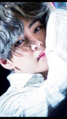 #wattpad #rastgele jungkook hyungu taehyung a aşıktı taehyung ise ne tanrıya ne de aşka inanırdı o sadece kardeşini arzuluyordu