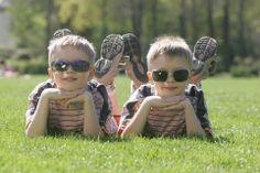 Coole Jungs mit Sonnenbrillen. Foto: KGS