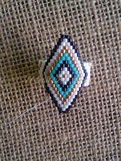 Miyuki white grey blue green diamond ring to tip Bead Loom Patterns, Beaded Jewelry Patterns, Beading Patterns, Green Diamond Rings, Brick Stitch Earrings, Bead Loom Bracelets, Native American Beading, Beaded Rings, Beaded Jewelry