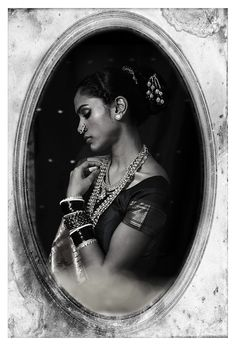 Offbeat Indian Bride Tribe by Punit Reddy, via Behance Indian Photoshoot, Saree Photoshoot, Portrait Photography Poses, Photography Women, Photography Ideas, Indian Aesthetic, Saree Poses, Vintage India, Vintage Bollywood