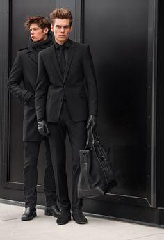 DEEP BLACK capsule collection ...repinned vom GentlemanClub viele tolle Pins rund um das Thema Menswear- schauen Sie auch mal im Blog vorbei www.thegentemanclub.de