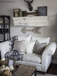 Shabby Chic Hunting Lodge Wall Mount and Rustic Art – Shabby Chic Decor Ideas Shabby Chic Bedrooms, Shabby Chic Homes, Shabby Chic Furniture, Fall Living Room, Home And Living, Living Room Decor, Woodland Living Room, Living Rooms, Woodland Bedroom