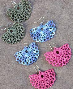 Ravelry: Alma Fan Earrings pattern by Amber Bliss Calderón Crochet Jewelry Patterns, Crochet Snowflake Pattern, Crochet Earrings Pattern, Crochet Snowflakes, Crochet Accessories, Crochet Jewellery, Crochet Gifts, Diy Crochet, Crochet Thread Size 10