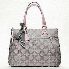 and i really need a gray purse :)