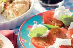 Kijk wat een lekker recept ik heb gevonden op Allerhande! Tomaten-geitenkaassalade