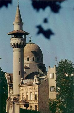 Tatar Mosque in Constanta Romania built in a Moorish style. Islamic Architecture, Beautiful Architecture, Constanta Romania, Romania Travel, Beautiful Mosques, Bucharest, Place Of Worship, Moorish, Best Cities