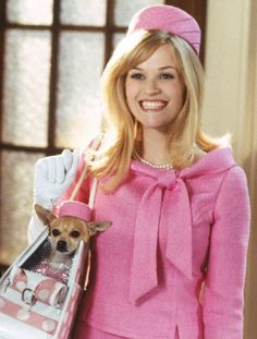 "Reese Witherspoon as Elle Woods in ""Legally Blonde"". Love these movies Hallowen Costume, Elle Woods, Chick Flicks, Chris Pine, Everything Pink, Role Models, Pretty In Pink, Pink And Green, My Idol"