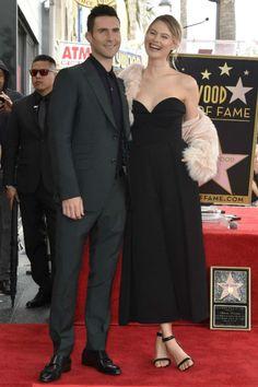 2/10 ベハティ・プリンスルー Behati Prinsloo - Adam Levine's Hollywood Walk of Fame Ceremony - 海外セレブイベントファッション