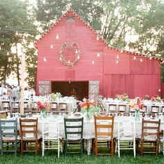 """don't leave home without this in-depth list of tips and what to look for!"" in a wedding venue.  Barns, beautiful barns!  p/i"