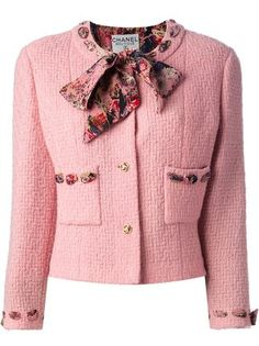 women's pink blazer-chanel vintage boucle jacket and skirt suit Vintage Chanel, Classy Outfits, Beautiful Outfits, Beautiful Life, Moda Chanel, Chanel Chanel, Chanel Style Jacket, Chanel Jacket Trims, Boucle Jacket