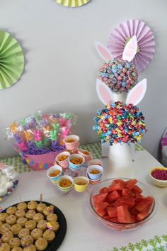 Easter egg hunt party table
