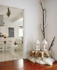 salon scandinave avec tapis crépu