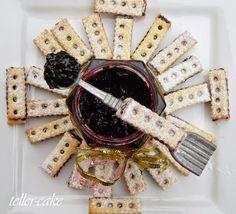 teller-cake: Matador keksz Biscuits, Cheese, Cake, Food, Crack Crackers, Cookies, Kuchen, Essen, Biscuit