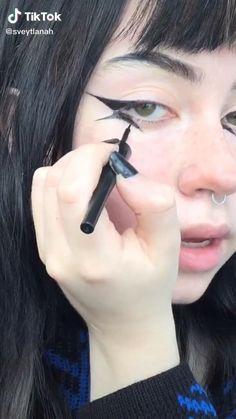 Makeup Eye Looks, Eyeliner Looks, No Eyeliner Makeup, Pretty Makeup, Hair Makeup, Punk Makeup, Gothic Makeup, Grunge Makeup, Emo Makeup Tutorial