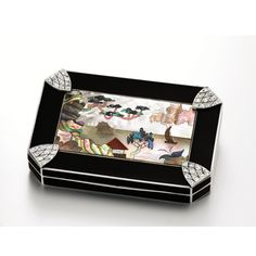 AN ART DECO YELLOW GOLD, BLACK LACQUER, DIAMOND AND MOTHER-OF-PEARL COMPACT CASE WITH LIPSTICK HOLDER FRENCH CIRCA 1925