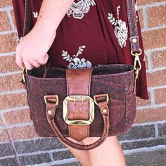Must have cross-body bags for the changing season! #shopamelias #ootd #fashion #style #boutique #purse #bag #musthave #fall #kansascity