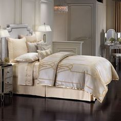 Jennifer Lopez bedding collection Chateau 4-pc. Comforter Set – King