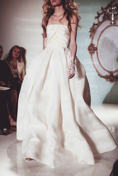 Daily Cup of Couture: Reem Acra Bridal Spring 2015. + Gloves love!