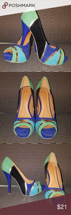 Qupid peep toe Pumps, Size 9.5 Green / Blue / Gold / Black platform pumps, worn only once, great condition! Qupid Shoes Heels