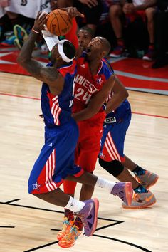 Kobe Blocks LJ.   2013 All Star Game