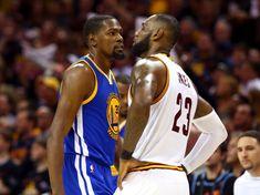 Kevin Durant, Golden State Warriors, e Lebron James, Cleveland Cavaliers. O olhar dos dois destaques da final da NBA.