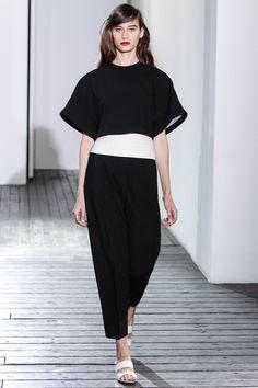 #ChadwickBell #Spring/2014 #Catwalk #trends #MBFWNY #NewYork #SS/2014 #blancoYNegro #blackAndWhite #mangaCapa #capeSleeve on Style.com