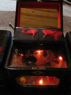 Vintage Japan Jewelry Music Box Large Oriental Black Lacquer
