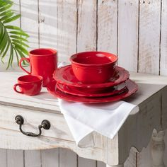 Keramika Juliet v nádherných farbách.  #cervena#keramika#kuchyna#jedalen Tableware, Kitchen, Dinnerware, Cooking, Tablewares, Kitchens, Dishes, Cuisine, Place Settings