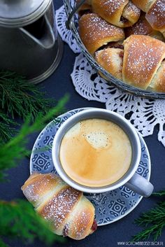 Love croissants and coffee . I Love Coffee, Coffee Break, My Coffee, Morning Coffee, Coffee Photography, Food Photography, Café Chocolate, Coffee Cafe, Mini Desserts