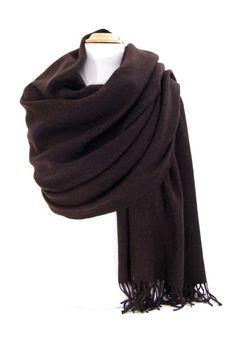 Etole brun foncé en laine. Une grande étole très féminine et chaude  expédiée sous 48h 5fd33ed89fd