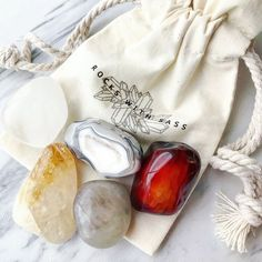 CRYSTAL ENERGY SET - This crystal set will give you the extra boost you've been looking for leaving you feeling re-energized and ready to tackle the day!  Includes the following crystals, corresponding meaning cards, and drawstring bag:  1 Quartz tumbled stone 1 Carnelian tumbled stone 1 Agate tumbled stone 1 Smoky Quartz tumbled stone 1 Citrine Tumbled stone Crystals And Gemstones, Stones And Crystals, Stone Pictures, Emotional Healing, Tumbled Stones, Crystal Grid, Team Gifts, Smoky Quartz, Feng Shui