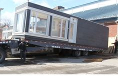 [ shipping container transport ]