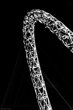 1X - Bowhelix by Bastian Kienitz