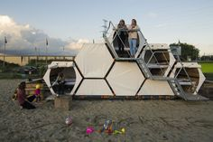 Gallery of B-AND-BEE Introduces Honeycomb Campsites for Festivals - 1