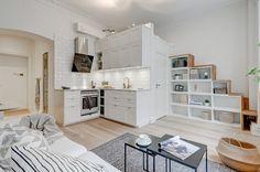 Popular Small Apartment Interior Design Ideas - Go DIY Home Small Apartment Interior, Apartment Layout, Apartment Design, Apartment Living, Kitchen Interior, Interior Design Living Room, Kitchen Design, Apartment Kitchen, Design Interior