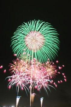 間もなく開催第64回とりで利根川大花火約10万人もの来場者数を誇る茨木の一大イベントがおこなわれるのは8月12日土曜日 大利根橋開通を記念して始まったとりで利根川花火大会有料の観覧席も用意されているので広いスペースでゆっくりしながら花火を見ることもできます ご家族などでゆっくりと花火を楽しみたいという方には特にお勧めしたい茨城の花火大会情報です tags[茨城県]