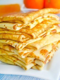 This classic crepe recipe will be your new favorite! The best party is when you make crepes you can fill them with your favorite fillings! But I have to say that banana and Nutella are my favs! Crepe Recipes, Pancakes And Waffles, Breakfast Pancakes, Love Food, Sweet Recipes, Breakfast Recipes, Food Porn, Brunch, Veggie Food