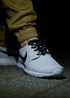 27429c3c4878 Nike Roshe Run NM Flyknit